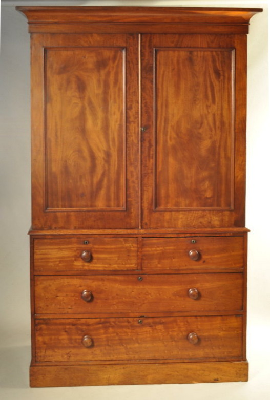 Regency Figured Mahogany Linen Press - Inv. #10407